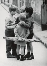 PRUNIN Groupe d'enfants dans l, Vykort