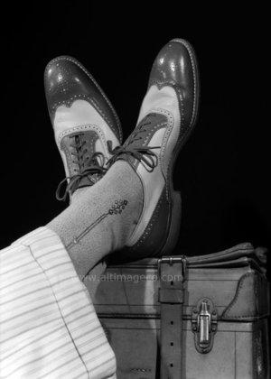 Close up of man's socks and shoes, Dubbelvikt Kort