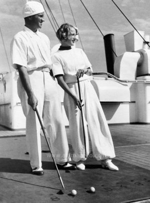 Couple playing croquet on ship, Dubbelvikt Kort