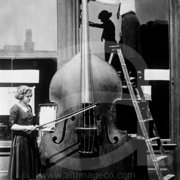 The world's biggest Violin, Greeting Card